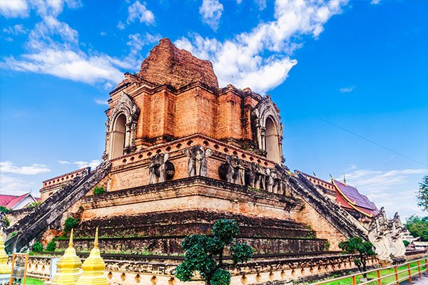 famous red brick temple in chiang mai